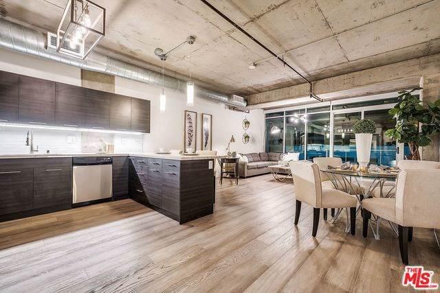 645 W 9TH Street #338, Los Angeles (City), CA 90015 (#19519984) :: Z Team OC Real Estate