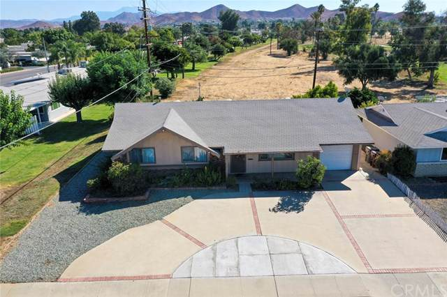 28286 Murrieta Road, Menifee, CA 92586 (#SW19240675) :: Brenson Realty, Inc.