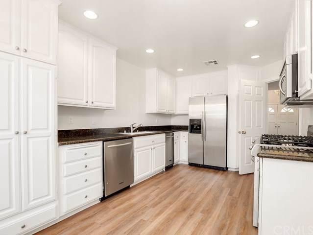 5200 White Oak Avenue #8, Encino, CA 91316 (#BB19240561) :: Berkshire Hathaway Home Services California Properties