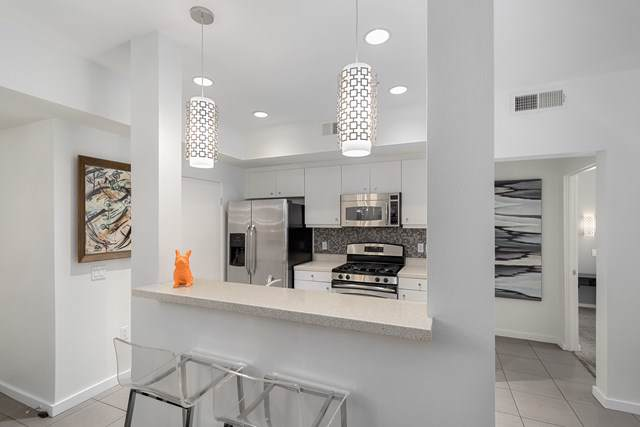 1010 Palm Canyon Drive #102, Palm Springs, CA 92264 (#219031693PS) :: J1 Realty Group