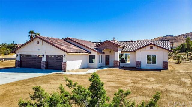 58065 Lisbon Drive, Yucca Valley, CA 92284 (#JT19241840) :: J1 Realty Group