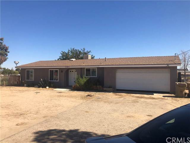 11911 Locust Avenue, Hesperia, CA 92345 (#CV19240389) :: Z Team OC Real Estate