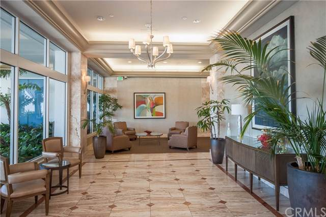 525 E Seaside Way #1804, Long Beach, CA 90802 (#PW19241981) :: Legacy 15 Real Estate Brokers