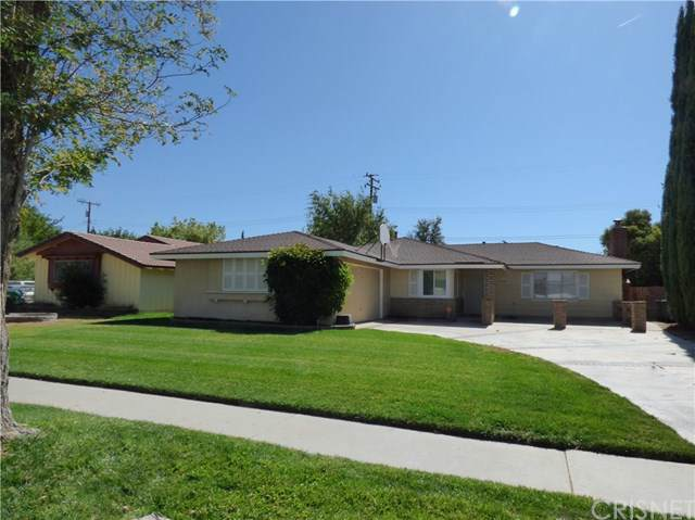 1732 W Jackman Street, Lancaster, CA 93534 (#SR19240304) :: Z Team OC Real Estate