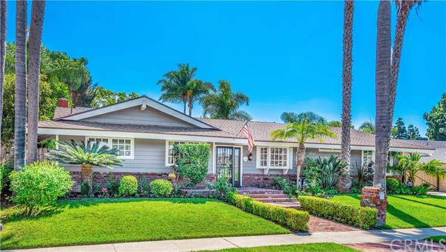 1634 Skylark Lane, Newport Beach, CA 92660 (#NP19240493) :: The Danae Aballi Team