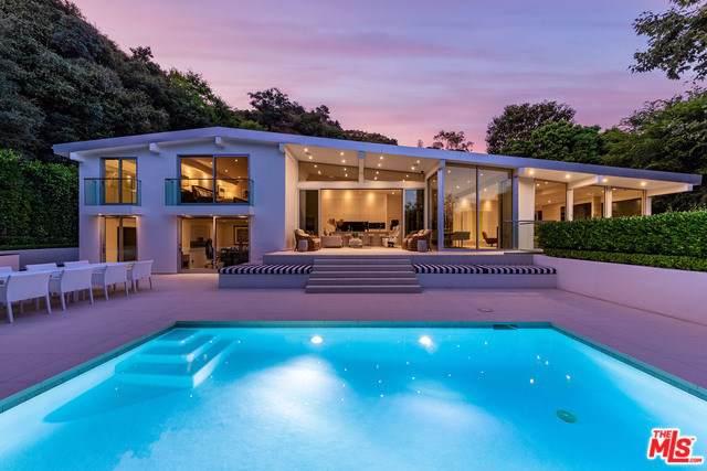 10555 Vestone Way, Los Angeles (City), CA 90077 (#19520266) :: Veléz & Associates