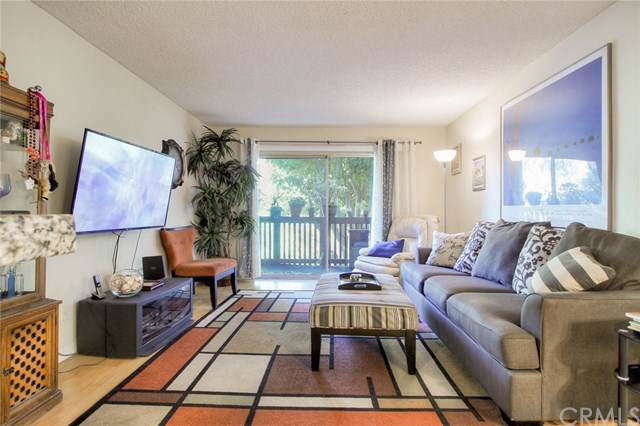 3604 W Estates Lane #201, Rolling Hills Estates, CA 90274 (#SB19242618) :: Go Gabby