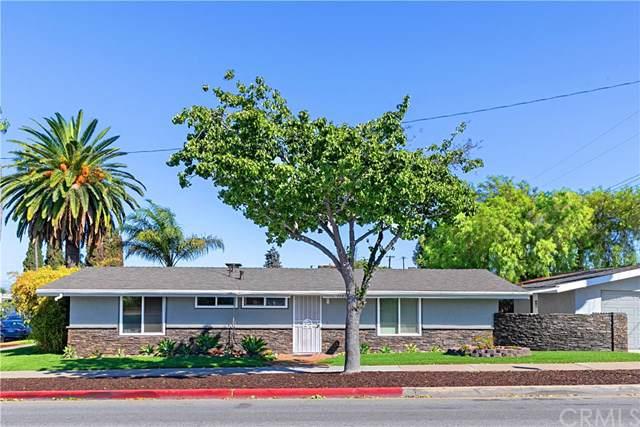 1103 W Walnut Avenue, Orange, CA 92868 (#PW19242481) :: OnQu Realty