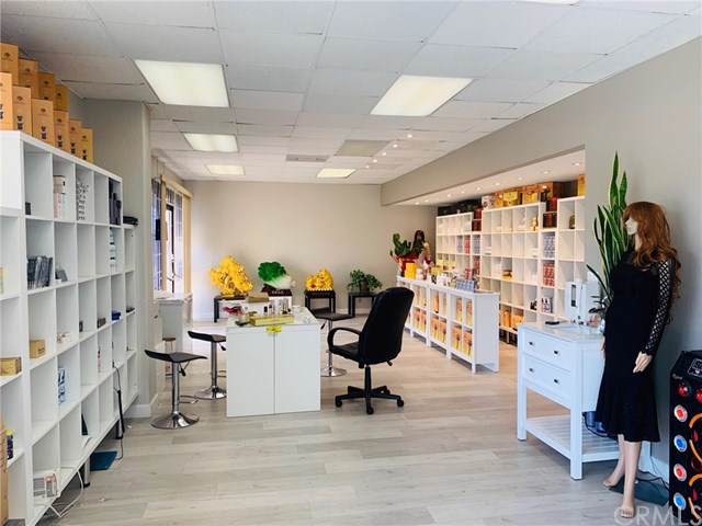 9551 Bolsa Avenue, Westminster, CA 92683 (#OC19243428) :: Scott J. Miller Team/ Coldwell Banker Residential Brokerage