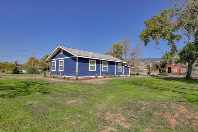 10930 Foothill Avenue, Gilroy, CA 95020 (#ML81772531) :: Steele Canyon Realty