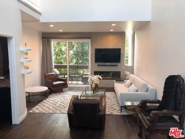 9000 Cynthia Street #402, West Hollywood, CA 90069 (#19520790) :: The Miller Group