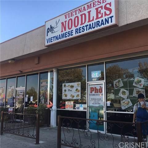 230 Palmdale Boulevard, Palmdale, CA 93150 (#SR19240756) :: Millman Team