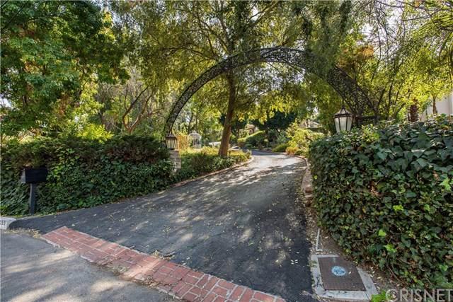 19050 Wells Drive, Tarzana, CA 91356 (#SR19238240) :: The Brad Korb Real Estate Group