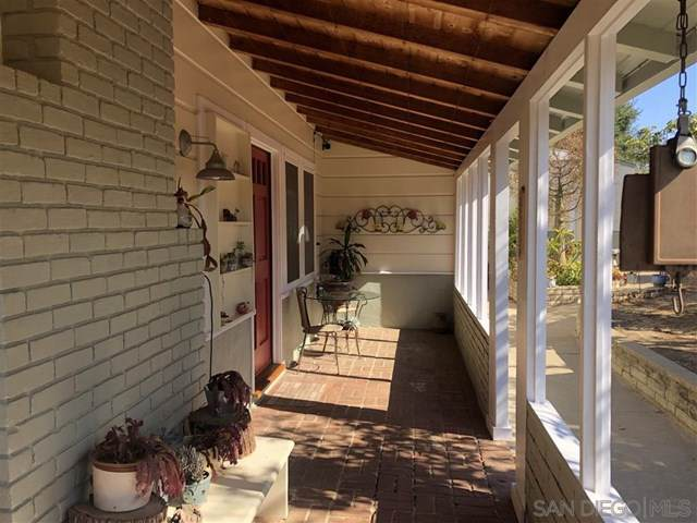 3138 Fruitland Drive, Vista, CA 92084 (#190056773) :: The Houston Team   Compass