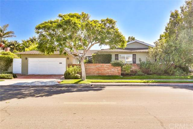 1718 Dover Drive, Newport Beach, CA 92660 (#NP19244106) :: Sperry Residential Group