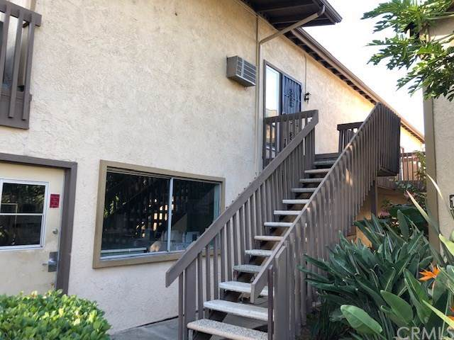 3050 S Bristol Street 12D, Santa Ana, CA 92704 (#OC19243337) :: The Marelly Group | Compass