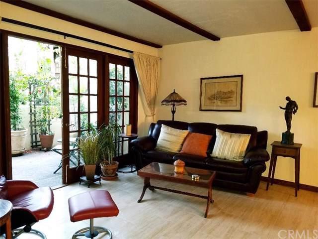 8694 Villa La Jolla Drive #5, La Jolla, CA 92037 (#OC19244455) :: Crudo & Associates