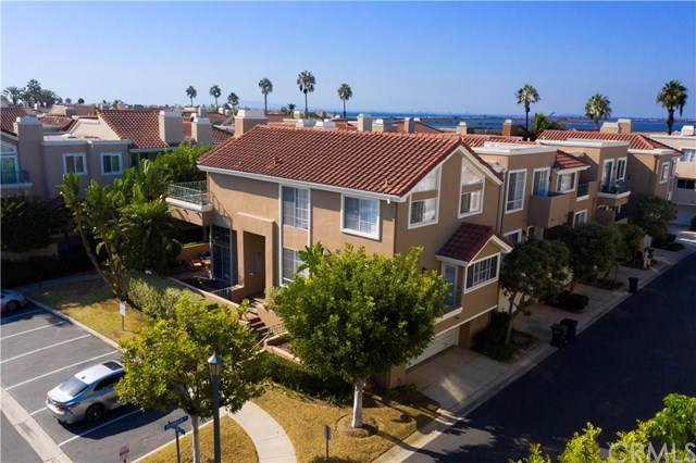 19271 Seabrook Lane, Huntington Beach, CA 92648 (#OC19243781) :: The Laffins Real Estate Team