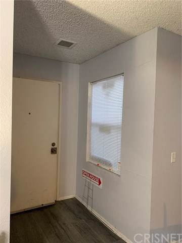 300 E Chestnut Avenue F, Santa Ana, CA 92701 (#SR19243259) :: The Marelly Group | Compass
