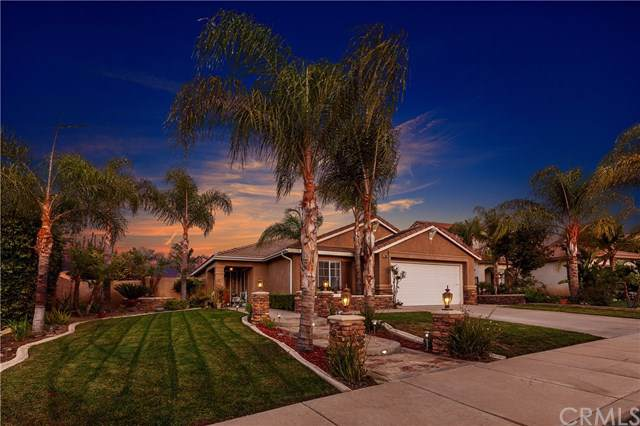 22602 Silver Dollar Street, Corona, CA 92883 (#PW19245078) :: Millman Team