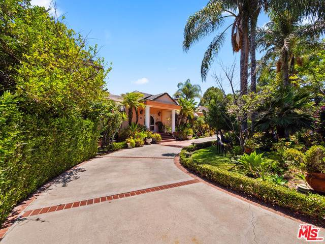 5028 Woodley Avenue, Encino, CA 91436 (#19519210) :: The Marelly Group | Compass