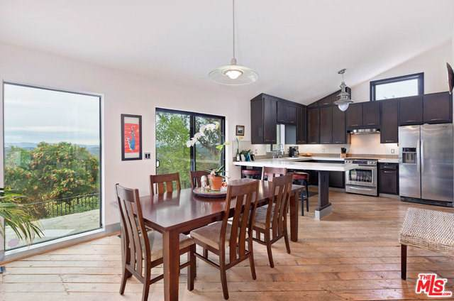 20784 Medley Lane, Topanga, CA 90290 (#19516690) :: Rogers Realty Group/Berkshire Hathaway HomeServices California Properties