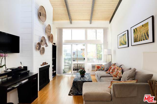 4900 Overland Avenue #333, Culver City, CA 90230 (#19512372) :: Rogers Realty Group/Berkshire Hathaway HomeServices California Properties