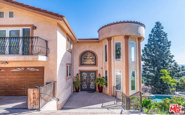 3670 Holboro Drive, Los Angeles (City), CA 90027 (#19521614) :: Rogers Realty Group/Berkshire Hathaway HomeServices California Properties