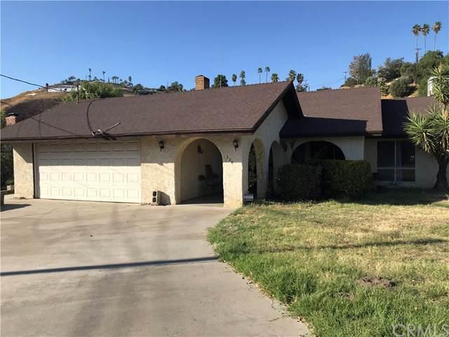324 W Thompson Place, San Bernardino, CA 92405 (#IV19245920) :: Go Gabby