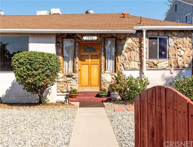 17961 Vanowen Street, Reseda, CA 91335 (#SR19242557) :: The Parsons Team