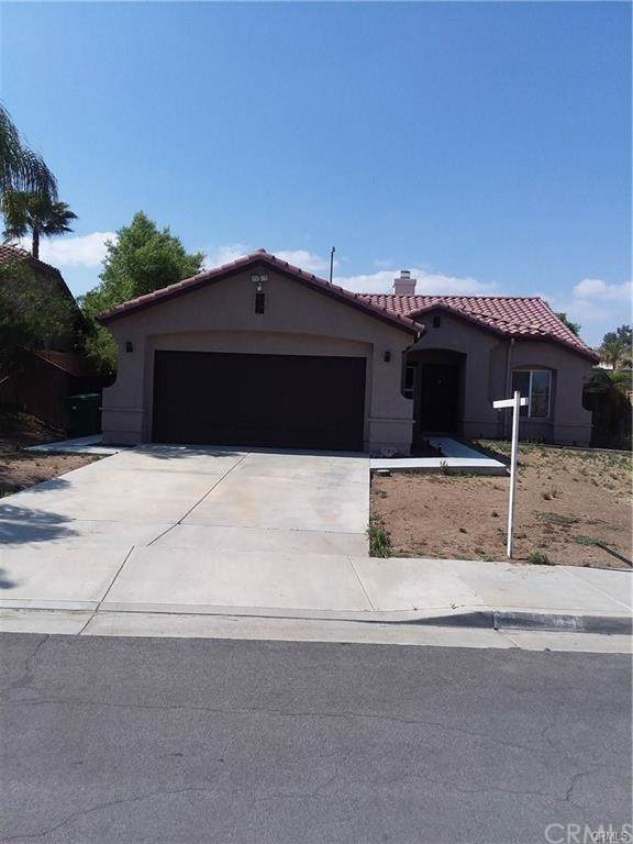 25106 Wooden Gate Drive, Menifee, CA 92584 (#IV19246039) :: The Marelly Group | Compass