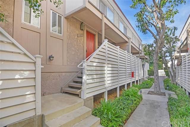 18333 Hatteras Street #49, Tarzana, CA 91356 (#SR19196479) :: The Miller Group