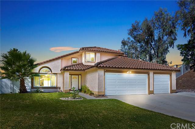 6631 New Ridge Drive, Riverside, CA 92506 (#SW19245389) :: The Miller Group