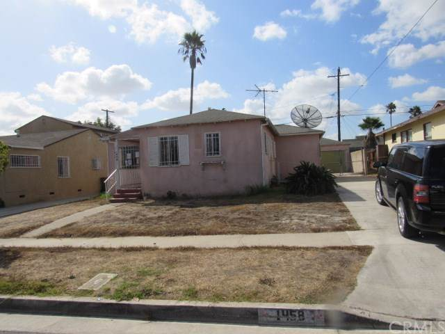 1458 W 111th Street, Los Angeles (City), CA 90047 (#RS19246112) :: The Parsons Team