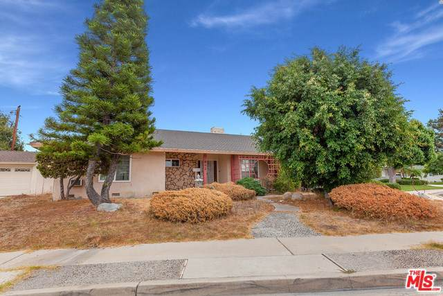842 N Yvonne Place, Anaheim, CA 92801 (#19521752) :: The Marelly Group | Compass