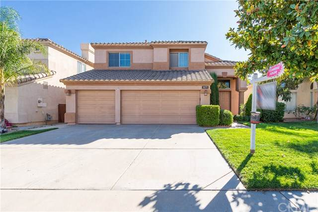 9079 Lantana Drive, Corona, CA 92883 (#IG19245141) :: The DeBonis Team