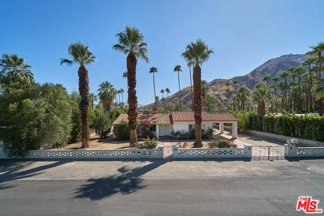 535 Camino Del Sur, Palm Springs, CA 92262 (#19521868) :: The Costantino Group | Cal American Homes and Realty