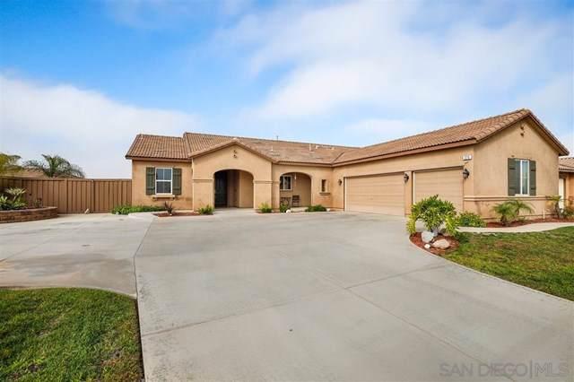 275 Tom Mcguinness Jr Cir, Fallbrook, CA 92028 (#190057329) :: A|G Amaya Group Real Estate