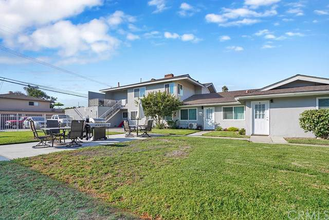 17071 Oak Lane A-D, Huntington Beach, CA 92647 (#NP19241411) :: Bob Kelly Team
