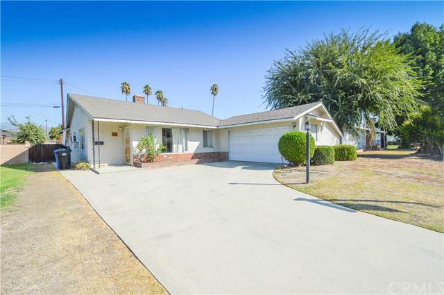 18537 E Laxford Road, Covina, CA 91722 (#CV19243562) :: The Parsons Team