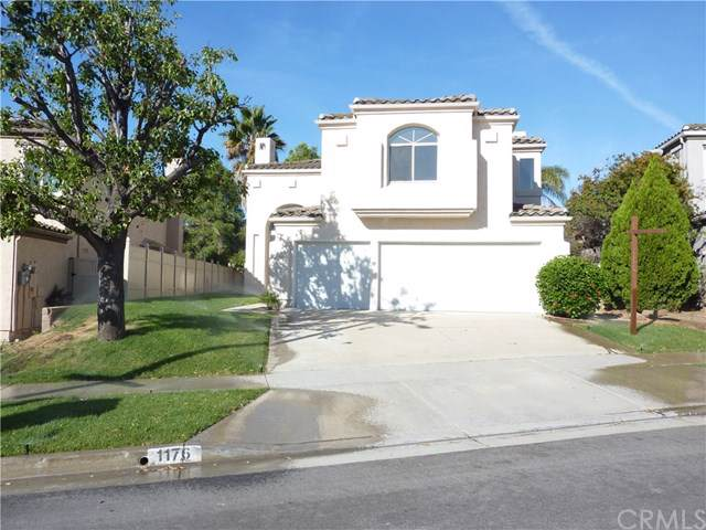 1176 Ginger Lane, Corona, CA 92879 (#IG19246627) :: The DeBonis Team
