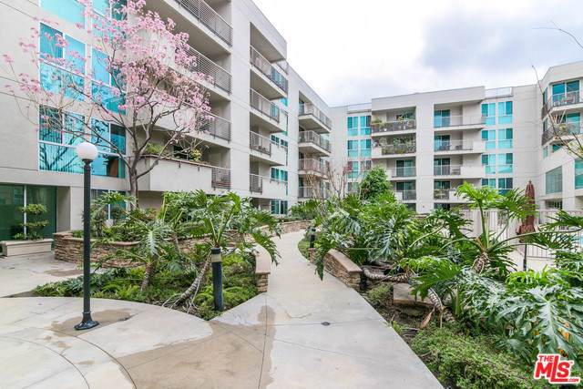 267 S San Pedro Street #115, Los Angeles (City), CA 90012 (#19522004) :: The Marelly Group | Compass