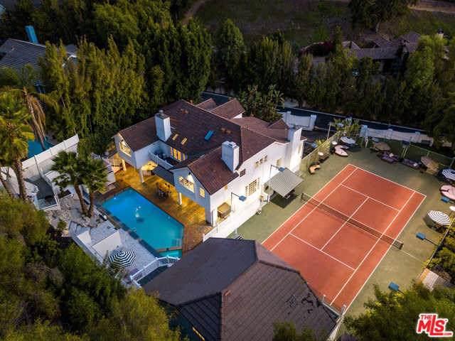 4704 Balboa Avenue, Encino, CA 91316 (#19522026) :: Better Living SoCal