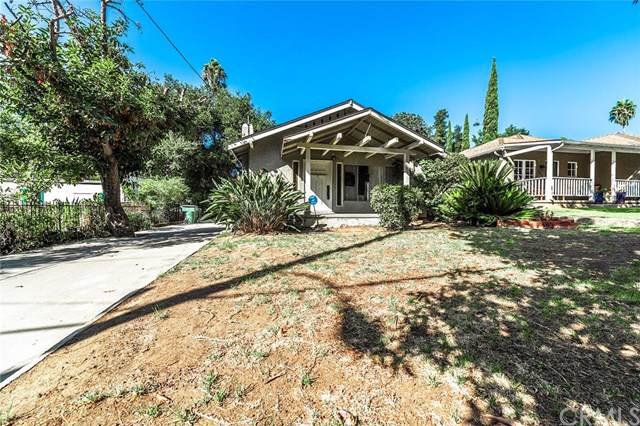 1045 N Wilson Avenue, Pasadena, CA 91104 (#IN19246362) :: The Brad Korb Real Estate Group