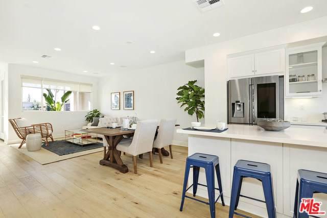 13109-1/2 W Victory Boulevard, Valley Glen, CA 91401 (#19522074) :: The Brad Korb Real Estate Group