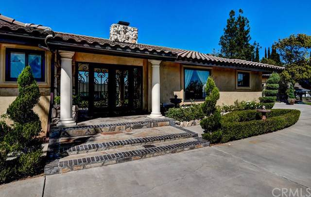 11651 Gramercy Place, Riverside, CA 92505 (#IG19247057) :: Berkshire Hathaway Home Services California Properties