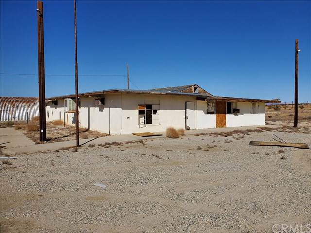 5051 Araby Road, 29 Palms, CA 92277 (#JT19242390) :: RE/MAX Masters