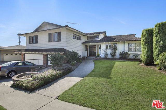 6733 Bedford Avenue, Los Angeles (City), CA 90056 (#19522356) :: The Marelly Group | Compass