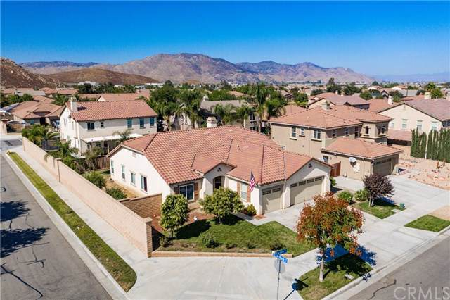 1031 Saw Tooth Lane, Hemet, CA 92545 (#SW19247373) :: The Marelly Group | Compass