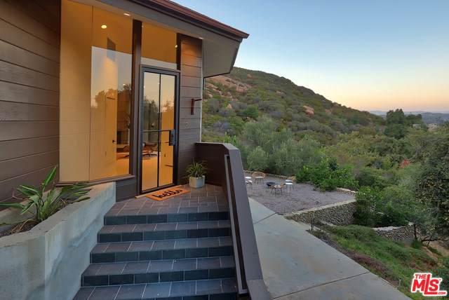 1875 Tuna Canyon Road, Topanga, CA 90290 (#19511752) :: Rogers Realty Group/Berkshire Hathaway HomeServices California Properties